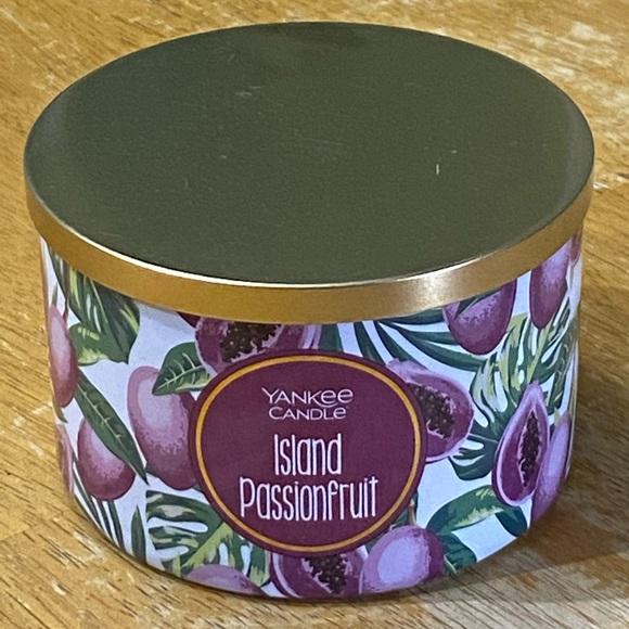 Yankee Candle Island Passionfruit 18 oz Candle